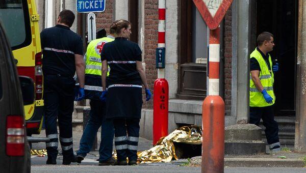 Спасатели на месте стрельбы в городе Льеж, Бельгия. 29 мая 2018