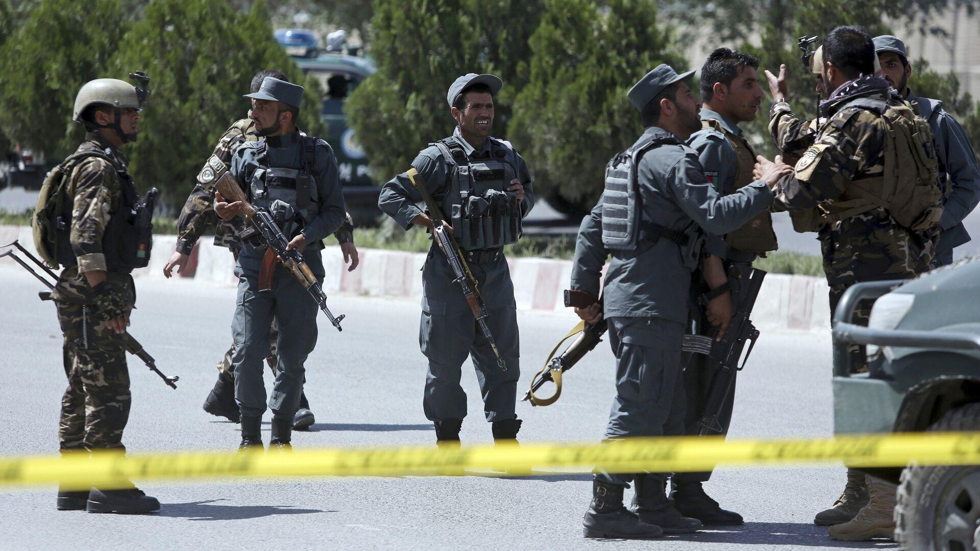 Сотрудники правоохранительных органов возле здания МВД Афганистана в Кабуле. 30 мая 2018 - РИА Новости, 1920, 12.06.2021
