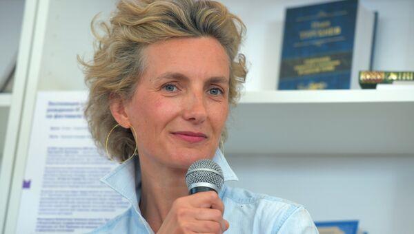 Французская писательница Анна Гавальда на книжном фестивале Красная площадь в Москве