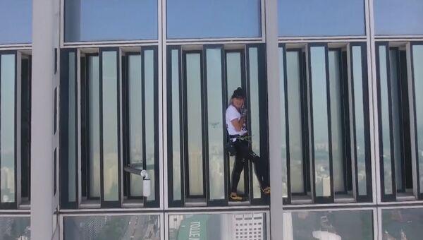 Как человеку-пауку не дали покорить небоскреб в Сеуле