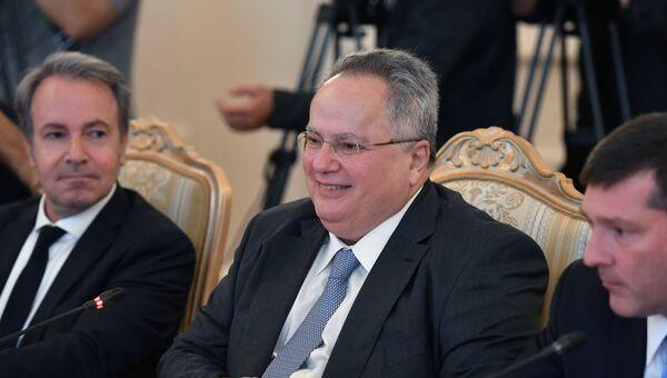 МИД Греции Никос Кодзиас во время встречи с министром иностранных дел России Сергеем Лавровым. 13 июня 2018