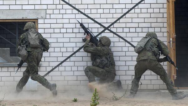 Военнослужащие НАТО во время военных учений Saber Strike 2018 в Пабраде, Литва. 11 июня 2018