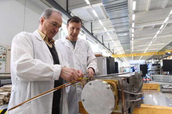 Подготовка к электрическим испытаниям магнита