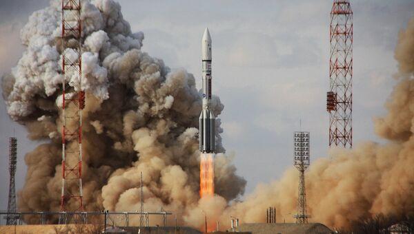 Старт ракеты Протон-М с Байконура. Архивное фото