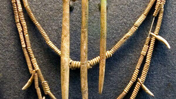 Украшения и предметы украшения из кости и клыка. Ямная культура