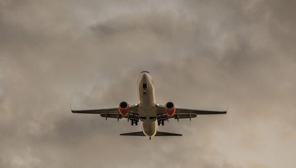 Самолет Boeing 737. Архивное фото