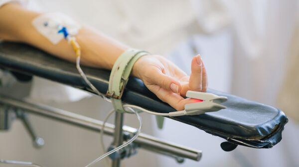 Операция по удалению злокачественной опухоли. Архивное фото