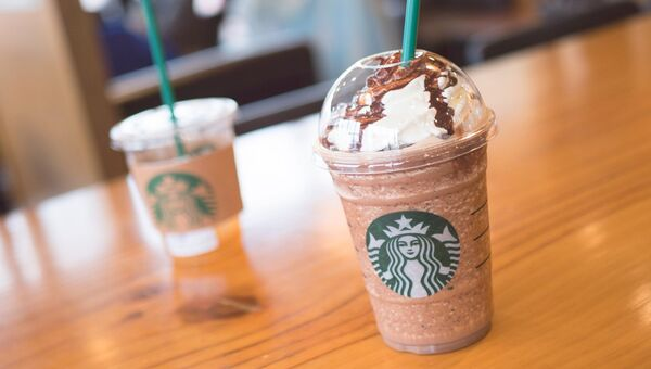Кофейня Starbucks. Архивное фото
