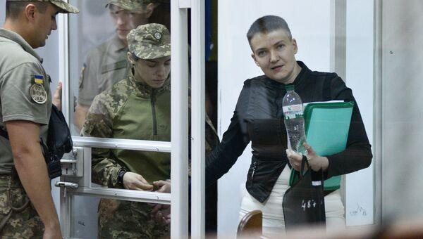 Надежда Савченко на заседании Шевченковского районного суда в Киеве. Архивное фото.