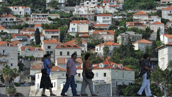 Туристы в хорватском городе Дубровник