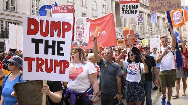 Акция против визита президента США Дональда Трампа в Великобританию в Лондоне