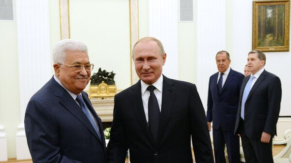 Владимир Путин и Махмуд Аббас во время встречи
