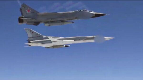 Самолеты ВКС России с гиперзвуковыми ракетами Кинжал