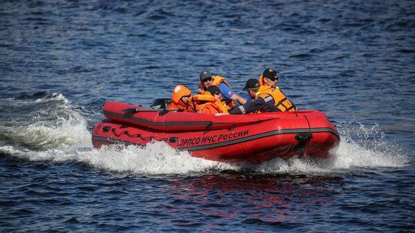 В Приморье на берегу нашли тела двух человек