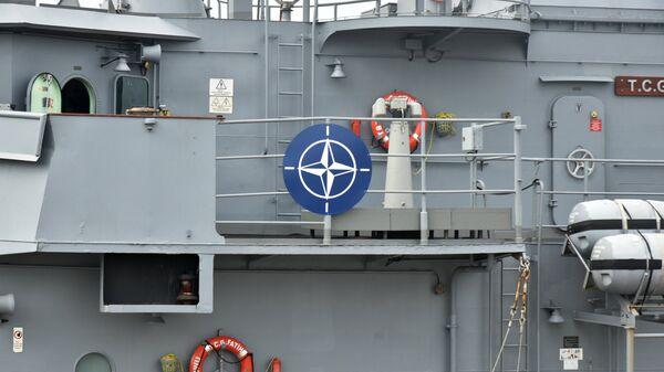 Фрегат группы кораблей НАТО