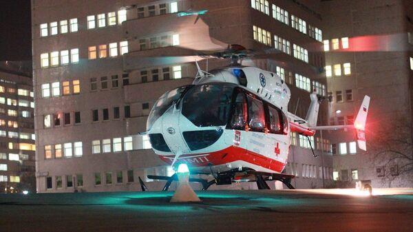 Санитарный вертолет Московского авиационного центра (МАЦ)