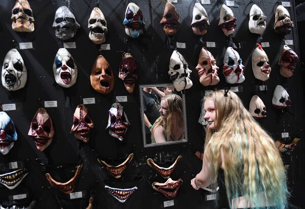 Ежегодный фестиваль Midsummer Scream Horror Convention в Лонг-Бич, штат Калифорния, США