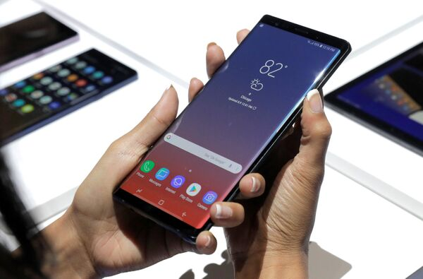 Новый телефон Galaxy Note 9 на презентации Galaxy Unpacked в Нью-Йорке