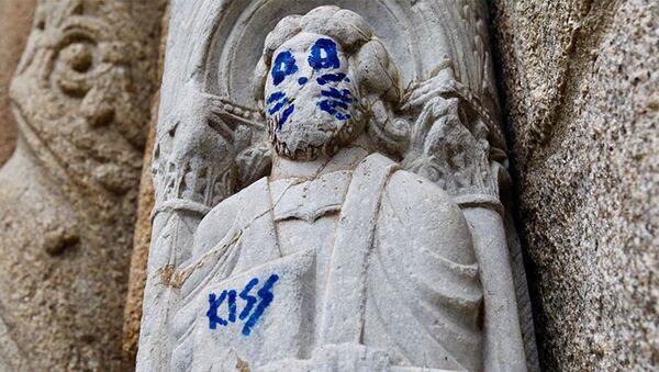 Разукрашенная статуя Собора Святого Иакова в городе Сантьяго-де-Компостела, Испания