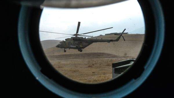Вертолет Ми-8 в Таджикистане