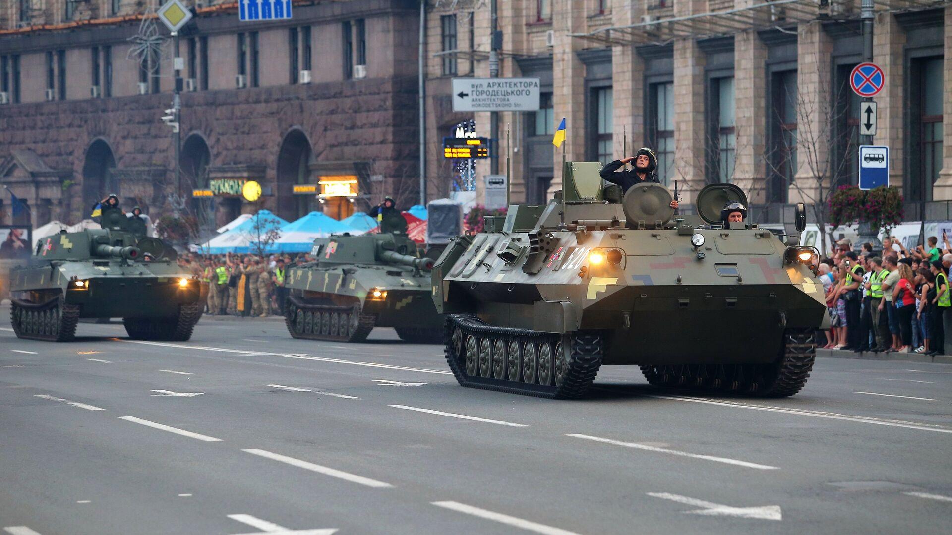 Военнослужащие на репетиции военного парада в честь 27-ой годовщины Независимости Украины в центре Киева - РИА Новости, 1920, 12.06.2021