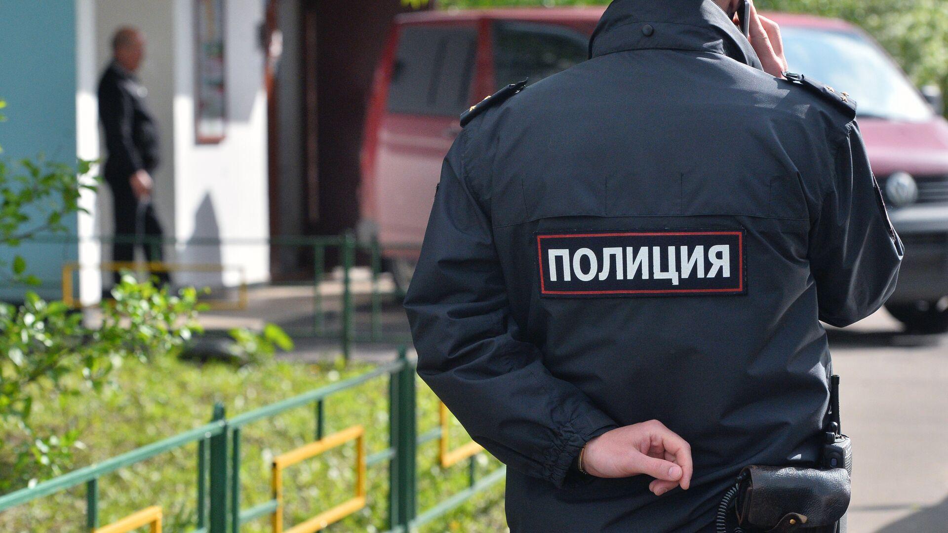 Сотрудник полиции на месте преступления - РИА Новости, 1920, 15.09.2019