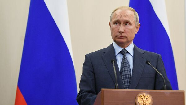Президент РФ Владимир Путин на пресс-конференции по итогам встречи с президентом Финляндии Саули Ниинистё. 22 августа 2018