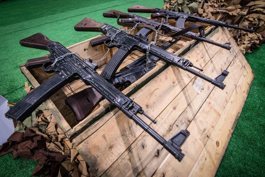 Германские автоматы Sturmgewehr 44 времен Второй Мировой войны