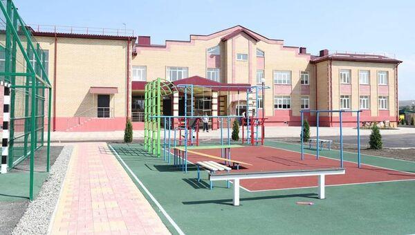 Образовательный комплекс в селе Холоднородниковском Прикубанского района КЧР