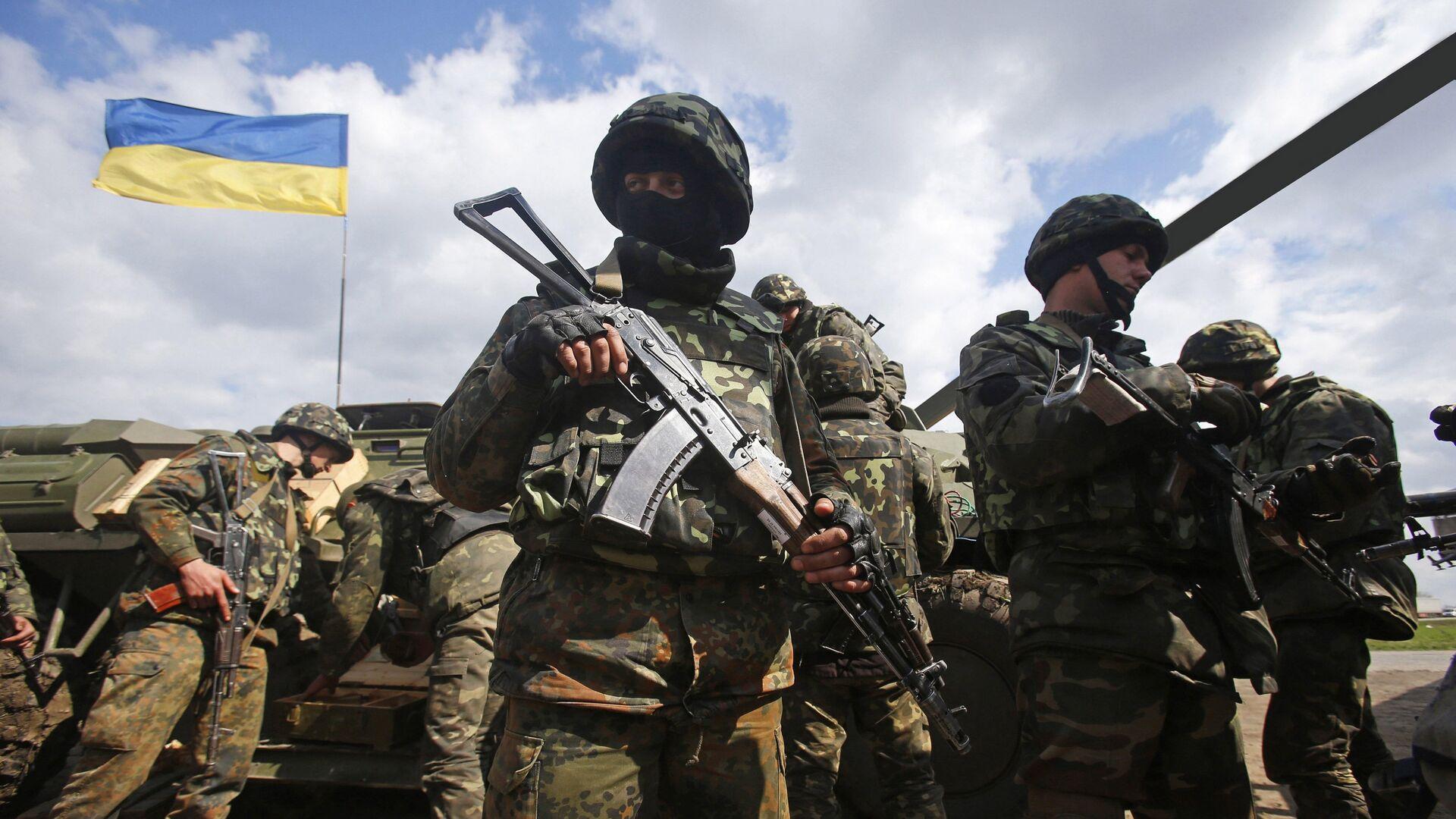 Украинские военные на линии разграничения в Донбассе - РИА Новости, 1920, 11.11.2020