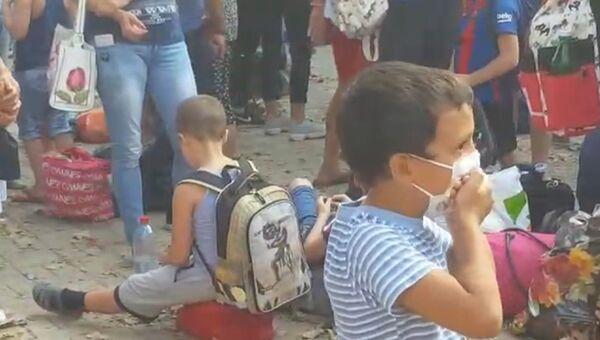 «Детям тяжело дышать». Ситуация вокруг выбросов с химзавода в Армянске