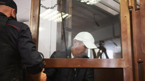Обвиняемый в убийстве полицейского на станции метро Курская в Москве Нурлан Муратов в суде