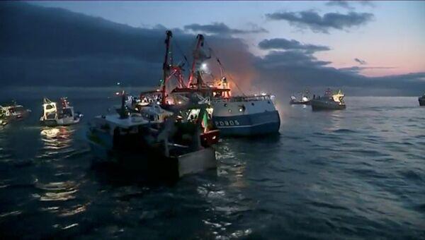 Французские и британские рыболовецкие суда у берегов Нормандии. 28 августа 2018