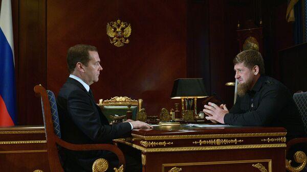 Председатель правительства РФ Дмитрий Медведев и глава Чеченской республики Рамзан Кадыров