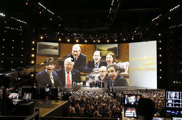 Сатирическая вечерняя программа Saturday Night Live завоевала премию Эмми в категории Лучшее скетчевое варьете во время 70-й церемонии вручения награды Primetime Emmy Award в Лос-Анджелесе