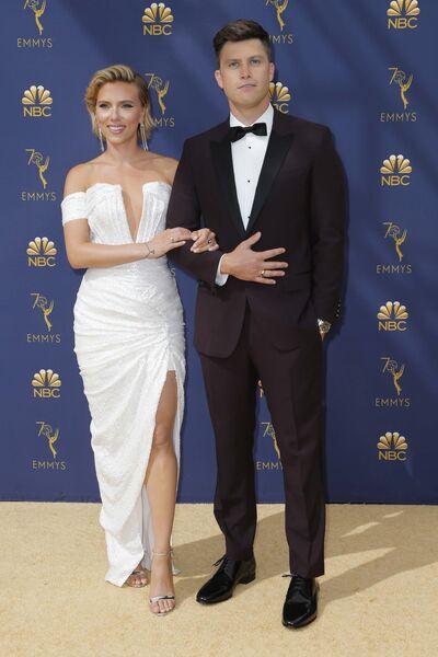 Скарлетт Йоханссон и Колин Жост прибывают на 70-ю церемонию вручения награды Primetime Emmy Awards в Лос-Анджелесе