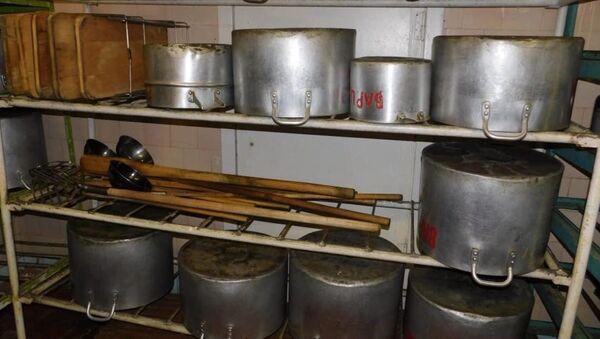 Больше 30 человек отравились больничной пищей в Твери