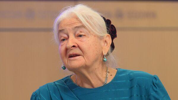 Мать Олеся Бузины, председатель жюри конкурса Валентина Бузина во время пресс-конференции в Международном мультимедийном пресс-центре МИА Россия сегодня