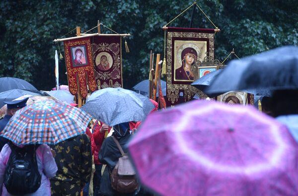 Участники VII Елисаветинского крестного хода, проходящего в Московской области