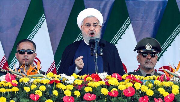 Президент Ирана Хасан Роухани выступает с речью на ежегодном военном параде. 22 сентября 2018