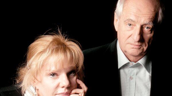 Отец и дочь Захаровы