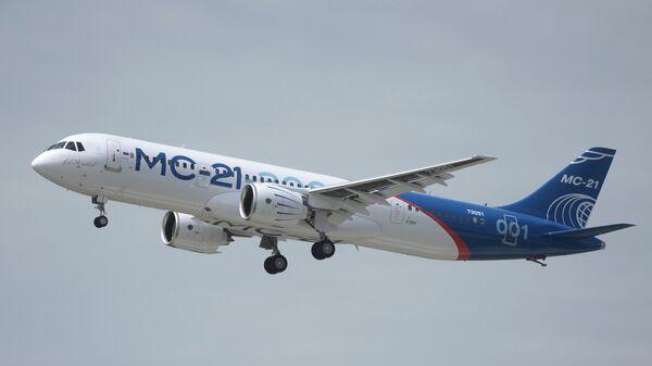 Первый полет нового российского пассажирского самолета МС-21. Архивное фото