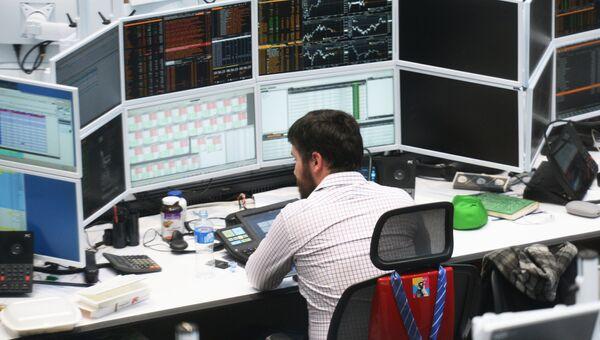 Торговый зал корпоративно-инвестиционного подразделения Сбербанка CIB. Архивное фото