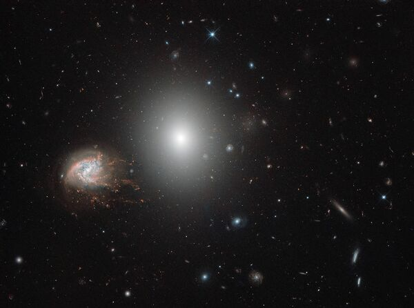 Спиральная галактика NGC 4858