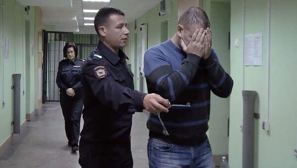 Подозреваемый в нанесении телесных повреждений 17-летнему юноше в Казани