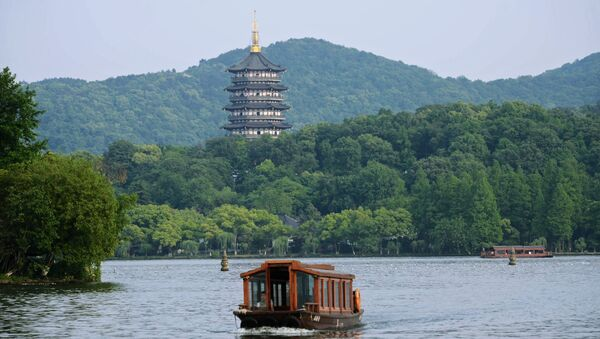 Озеро Сиху в городе Ханчжоу в Китае