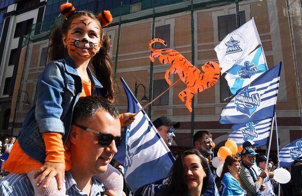 Участники праздничных мероприятий, посвященных Дню тигра, во Владивостоке