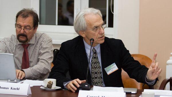 Джерар Муру - на заседании Международного консультационного совета прожекта XCELS (ИПФ РАН , 2011)