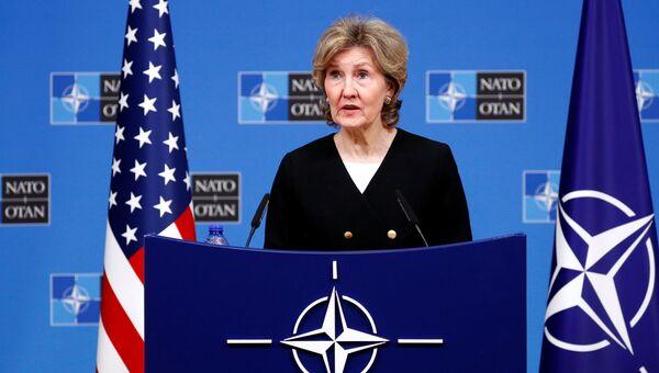 Постоянный представитель США при НАТО Кэй Бэйли Хатчисон во время пресс-конференции в Брюсселе. 2 октября 2018