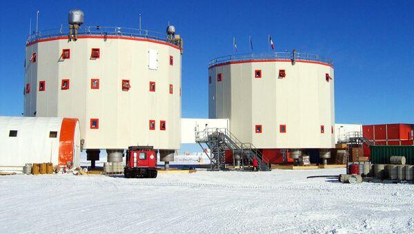 Французско-итальянская антарктическая станция Конкордия. Архивное фото